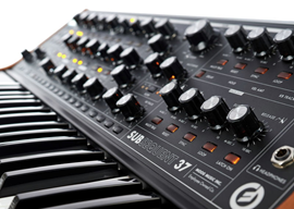 MOOG Subsequent 37 - analogni synthesiser